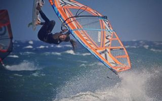 """""""Πώς θα κάνω καλύτερο windsurfing?"""" η Εύη Τσαπέ απαντά"""